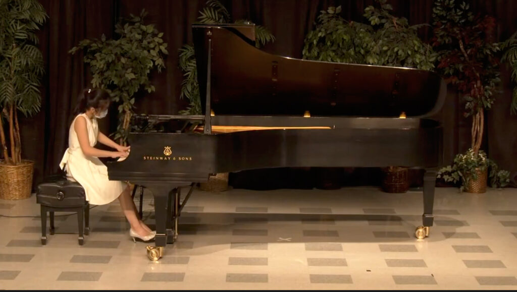 Min Shan Tsai plays a piano solo composed by Beethoven. (Israel Campa / The Signpost)