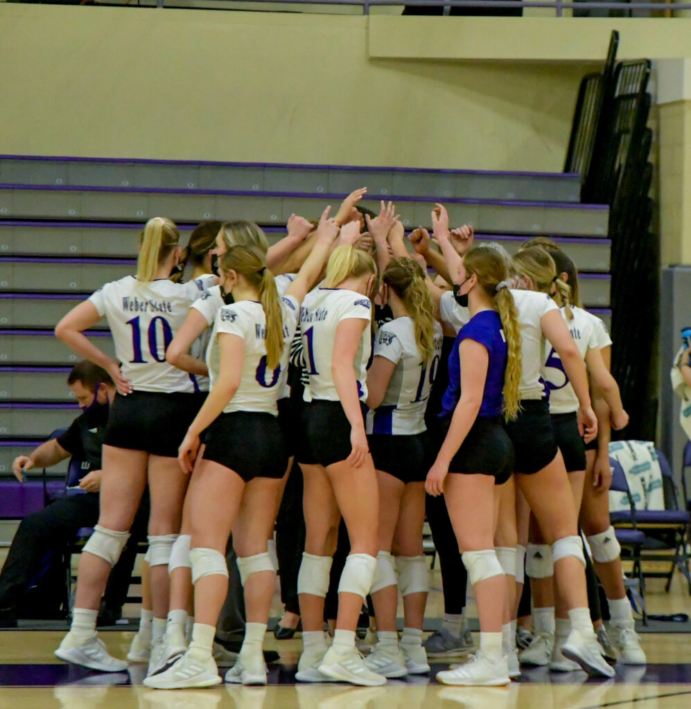 Weber State volleyball team wins the Big Sky Conferene regular season championship after defeating number 2 Montana State 3-1 on Saturday, March 20, 2021. Nikki Dorber/The Signpost