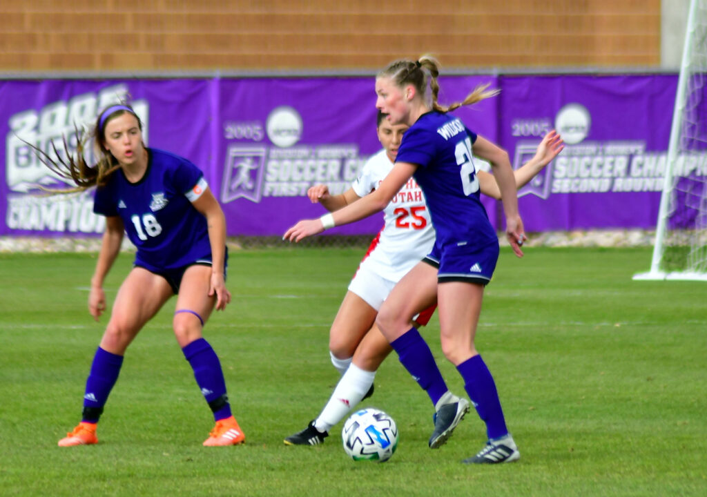 Weber State's women's soccer hosted Southern Utah on Friday, March 26 resulting in a win.  Nikki Dorber/The Signpost