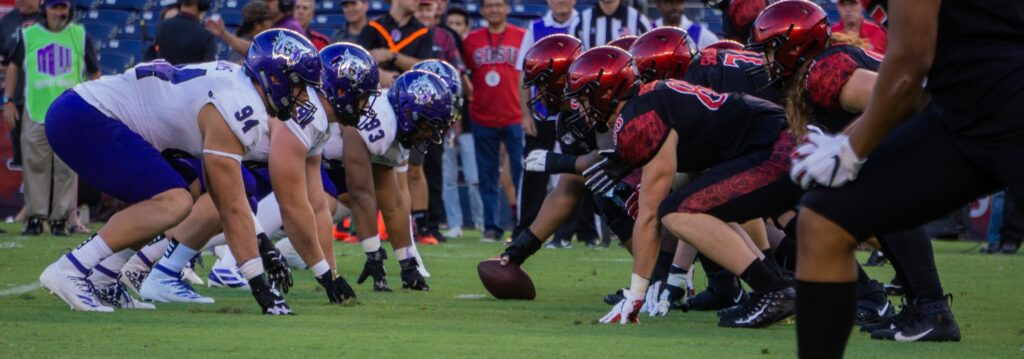 The Wildcats defense prepares to take on the Aztec offense (THE SIGNPOST/ ISRAEL CAMPA)