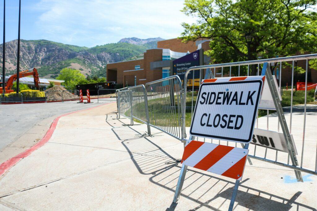 Sidewalk closures in front of the Browning Center as a result of the construction. (Bella Torres / The Signpost)